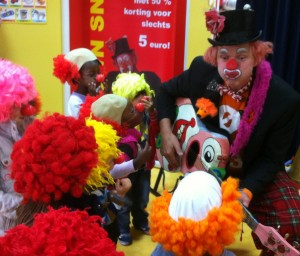 open dag kinderdgverblijf clown snorre