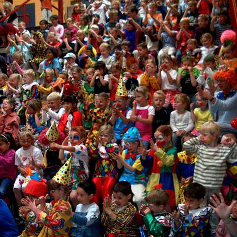 Kindercarnaval_Clown_Snorre_Kindershow_Voorstelling_02